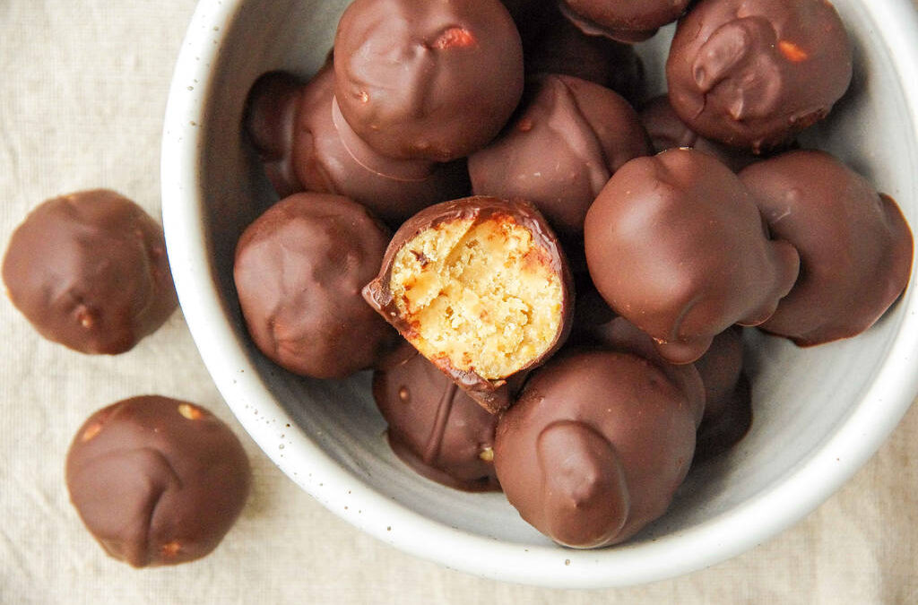 Sweet & Salty Peanut Butter Truffles